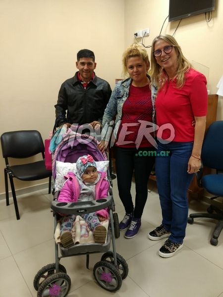 Martina junto a sus padres visitaron a la Intendente Maria Luisa Chomiak